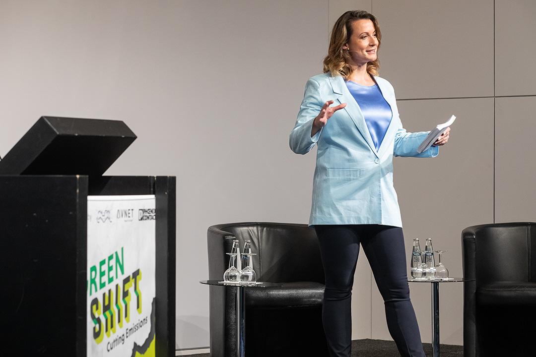 Moderatorin-Muenchen-Anna-Gross-Green-Shift-3
